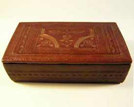 fairtrade product tuareg leather box made in burkina faso, africa in fair trade conditions